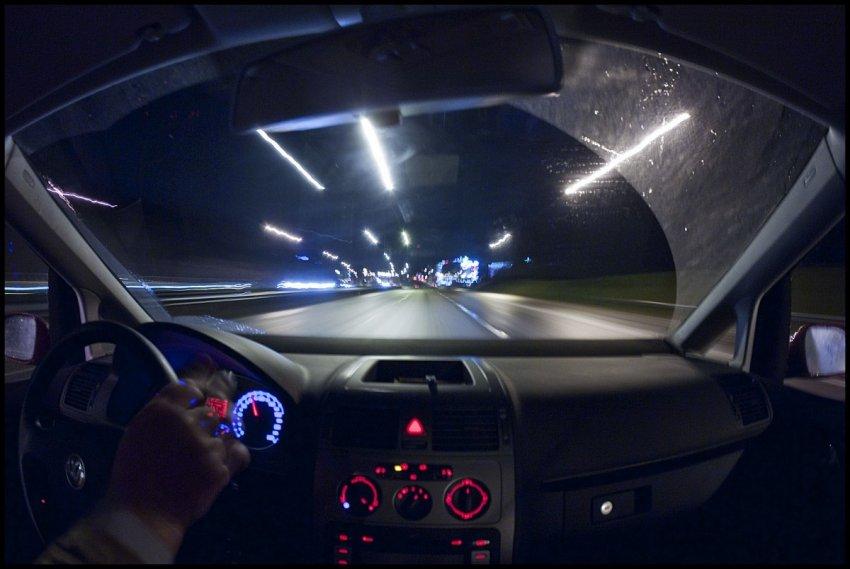 Kinh nghiệm lái xe ban đêm an toàn