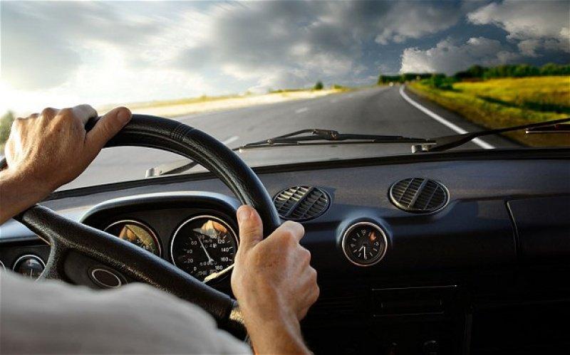 Tổng hợp kinh nghiệm lái xe tiết kiệm xăng