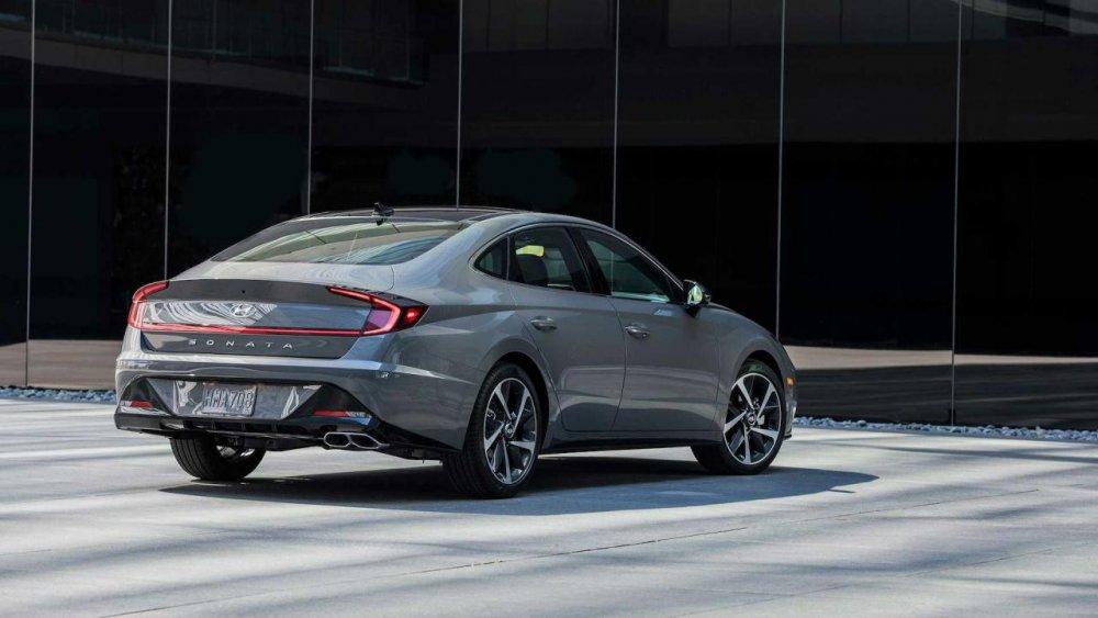 """Hyundai Sonata 2021: Liệu có thể lật đổ """"tượng đài"""" Toyota Camry? - CafeAuto.Vn"""