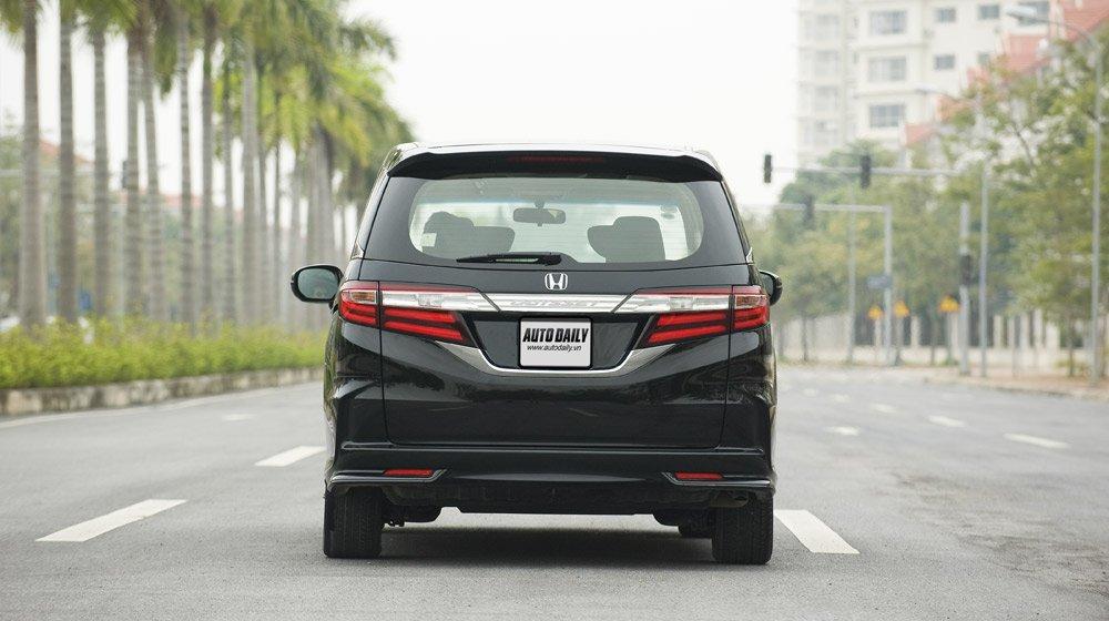 Chọn Honda Odyssey hay Mercedes Vito Tourer 121? Odyssey (3).jpg