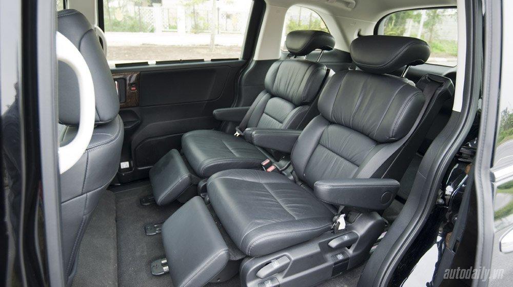 Chọn Honda Odyssey hay Mercedes Vito Tourer 121? Odyssey (7).jpg