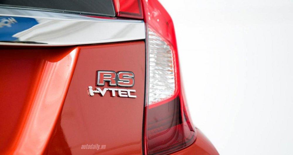 Đánh giá Honda Jazz RS: Xe nhỏ có nhiều võ honda-jazz-rs-review-autodaily-05.jpg