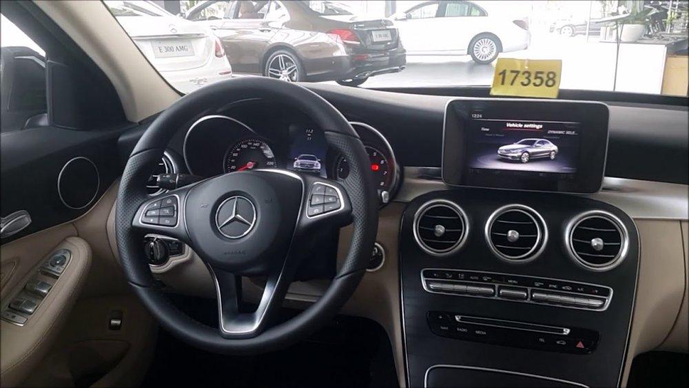 Những công nghệ nổi bật trên Mercedes C200 2021 - Xehay.com.vn